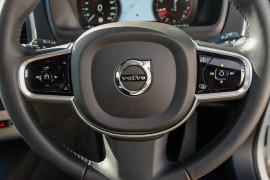 2017 MY18 Volvo XC90 L Series T6 Momentum Suv