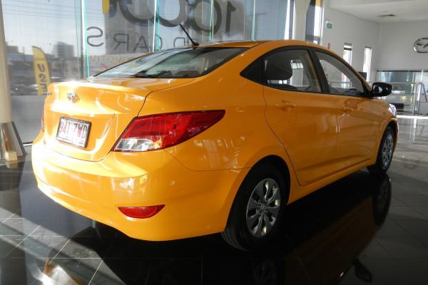 2015 MY16 Hyundai Accent RB3 MY16 Active Sedan Image 3