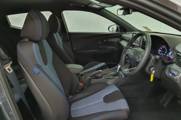 2019 MY20 Hyundai Veloster JS Veloster Coupe Image 3
