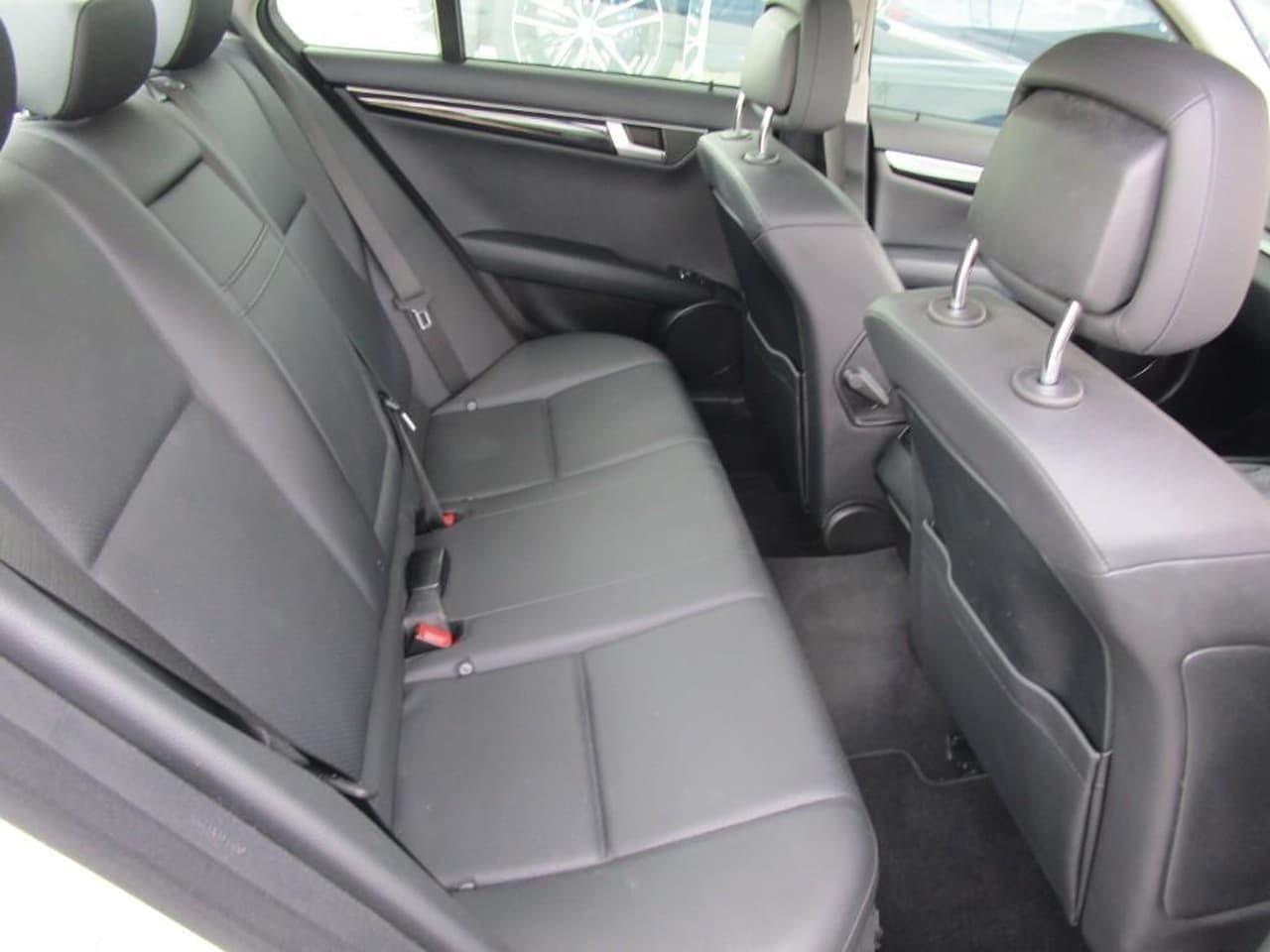 2014 Mercedes-Benz C-class W204 MY14 C200 Sedan