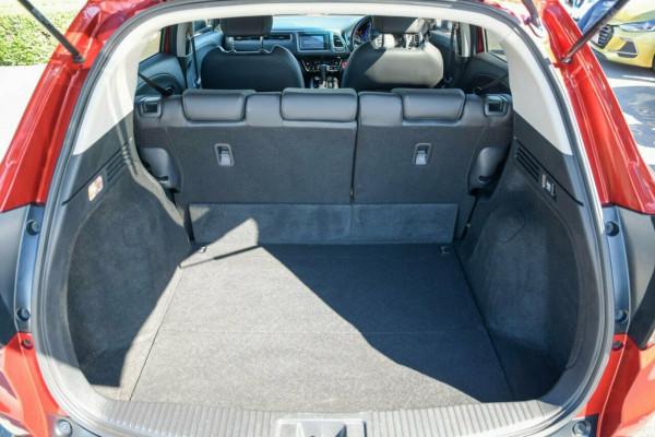 2018 Honda HR-V VTi-LX Hatchback Image 3