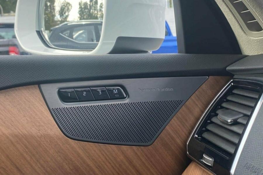 2021 Volvo XC90 L Series T6 Momentum Suv Image 11