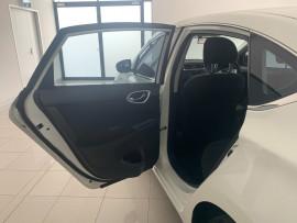 2015 Nissan Pulsar B17 Series 2 ST Sedan Image 5