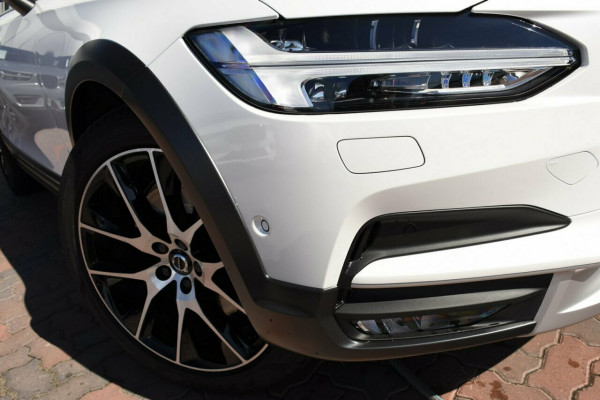2019 Volvo V90 Cross Country D5 Suv Image 2