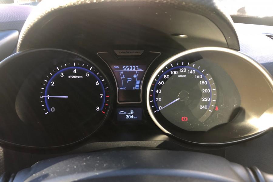 2014 Hyundai Veloster FS3 SR Hatchback Image 16