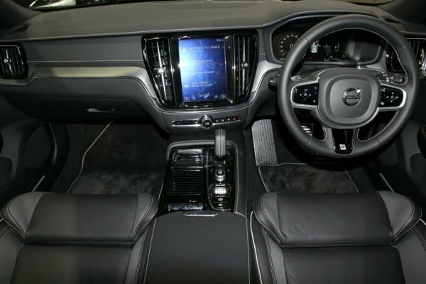 2019 MY20 Volvo S60 224 MY20 T8 PHEV R-Design Sedan Image 5