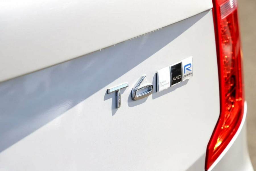 2019 Volvo XC90 L Series T6 R-Design Suv Mobile Image 11