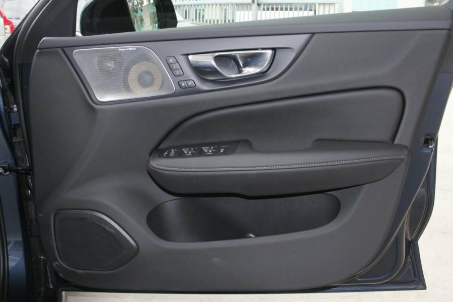 2019 MY20 Volvo V60 T5 R-Design T5 R-Design Sedan Mobile Image 5