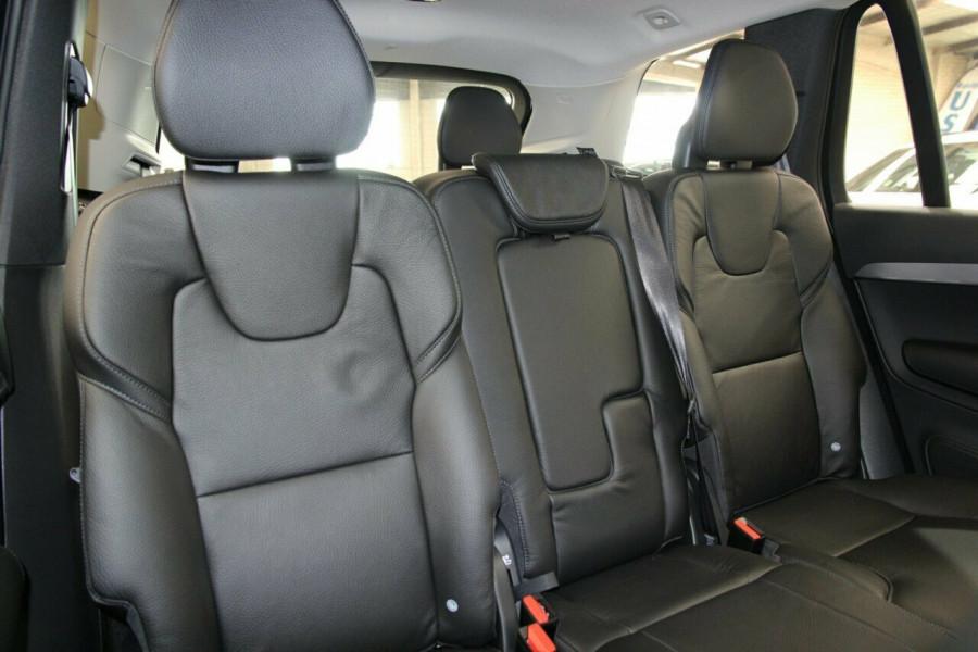 2019 Volvo XC90 L Series T6 Momentum Suv Image 9