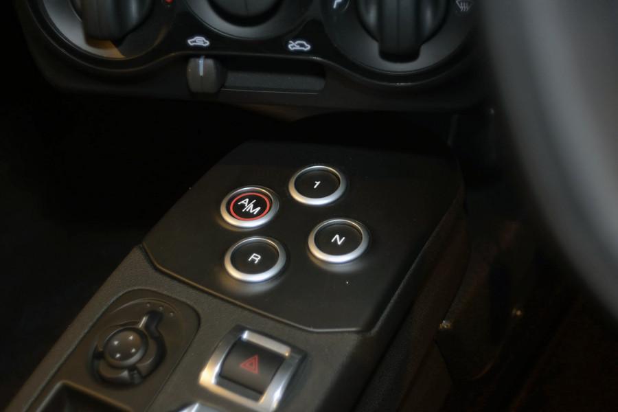 2018 MY17 Alfa Romeo 4C Series 1 Coupe Coupe Mobile Image 16