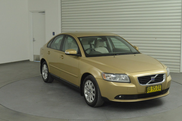 2008 Volvo S40 Vehicle Description. M  MY08 S Sedan 4dr SA 5sp 2.4i S Sedan Image 3