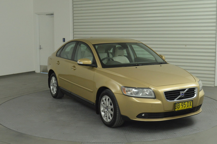 2008 Volvo S40 Vehicle Description. M  MY08 S Sedan 4dr SA 5sp 2.4i S Sedan Mobile Image 3