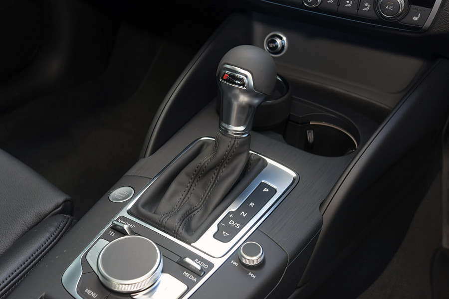 2019 Audi A3 40 S-line 2.0L TFSI S-tronic 140kW Sedan Mobile Image 15