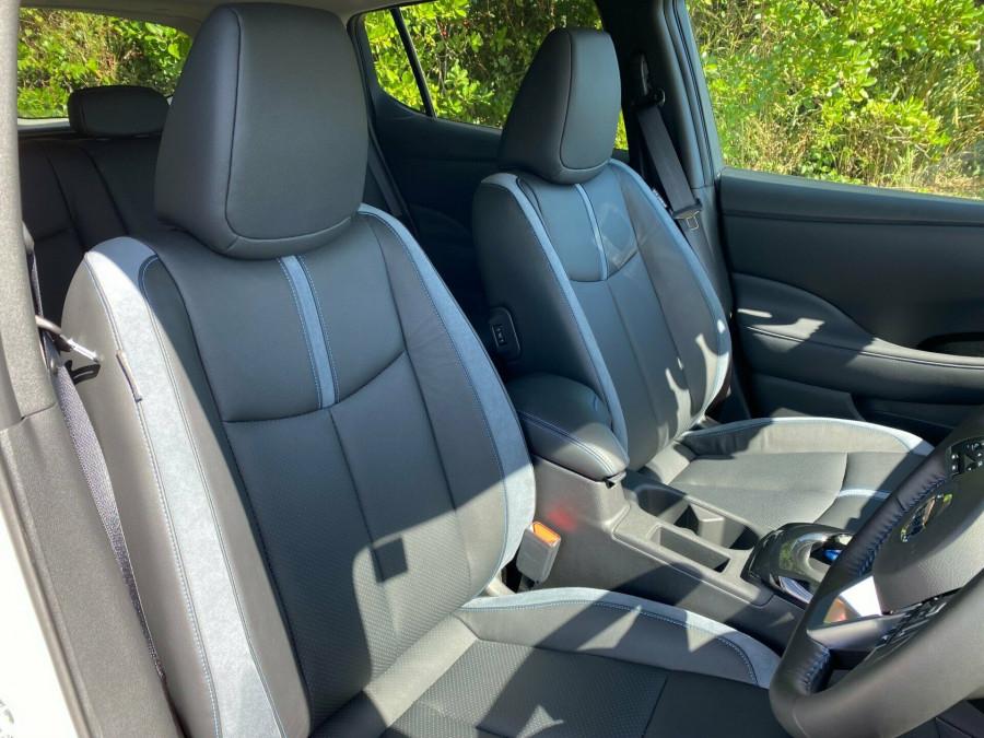 2021 Nissan LEAF ZE1 E Plus Hatchback Image 7