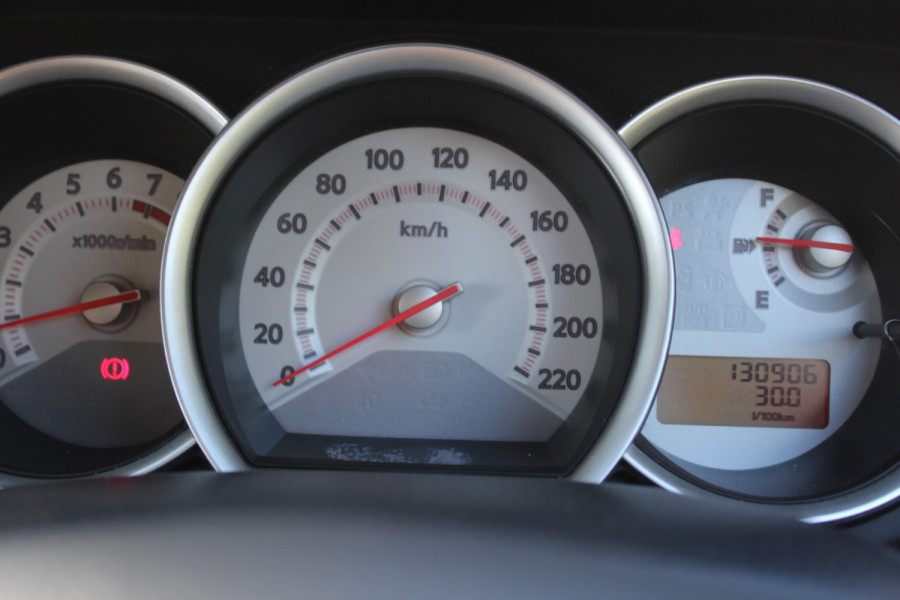 2011 Nissan Tiida C11 S3 ST Hatchback Image 15