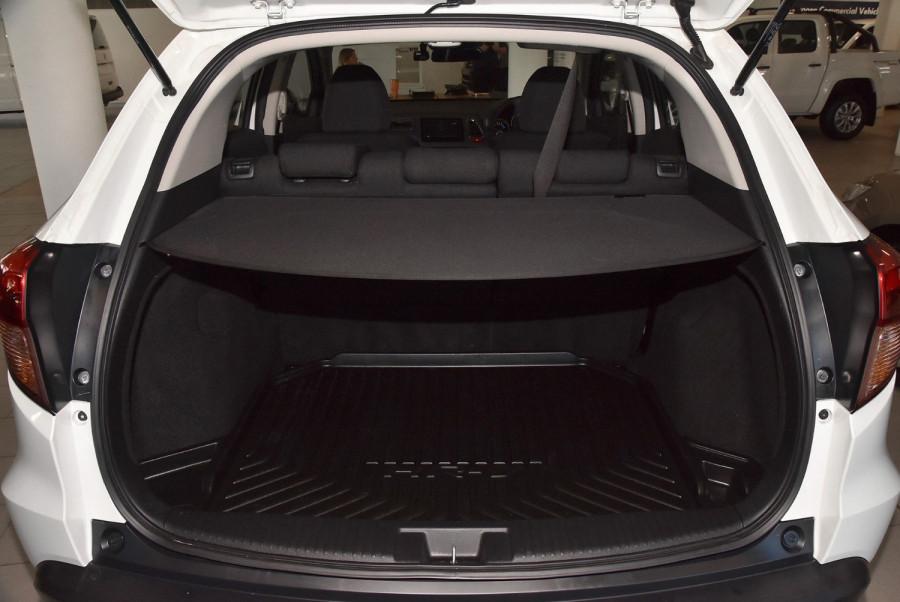 2015 Honda HR-V VTi-S Suv Image 17