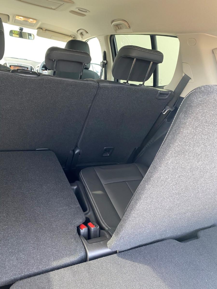 2019 Isuzu UTE MU-X LS-T 4x2 Wagon Image 7