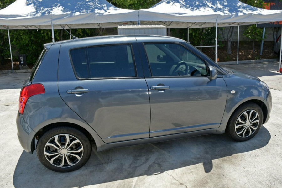 2009 Suzuki Swift RS415 GLX Hatchback Image 8