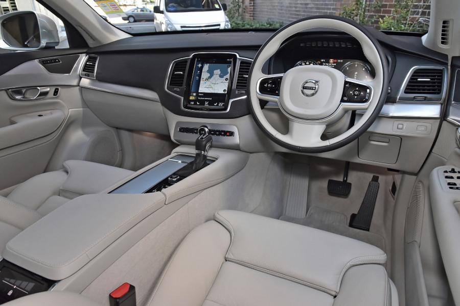 2018 MY19 Volvo XC90 L Series D5 Momentum Suv Mobile Image 8