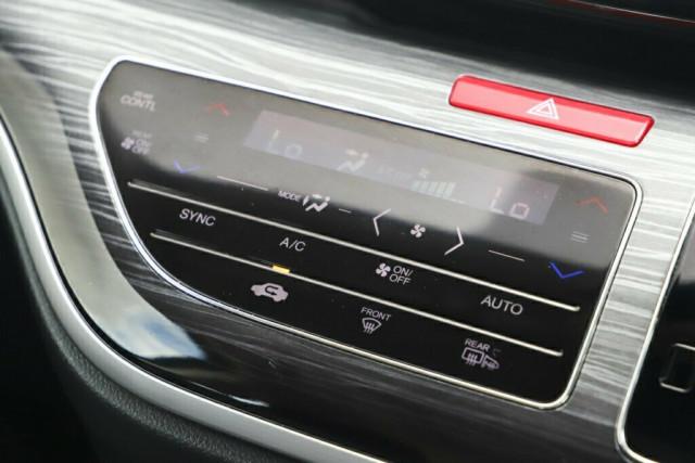 2015 Honda Odyssey 5th Gen VTi-L Wagon Image 21