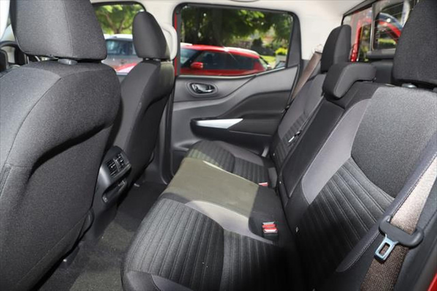 2021 Nissan Navara D23 Dual Cab ST Pick Up 4x2 Utility Image 11
