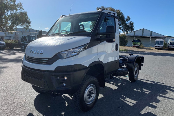 2020 Iveco Daily 55S17W Cab chassis Image 4