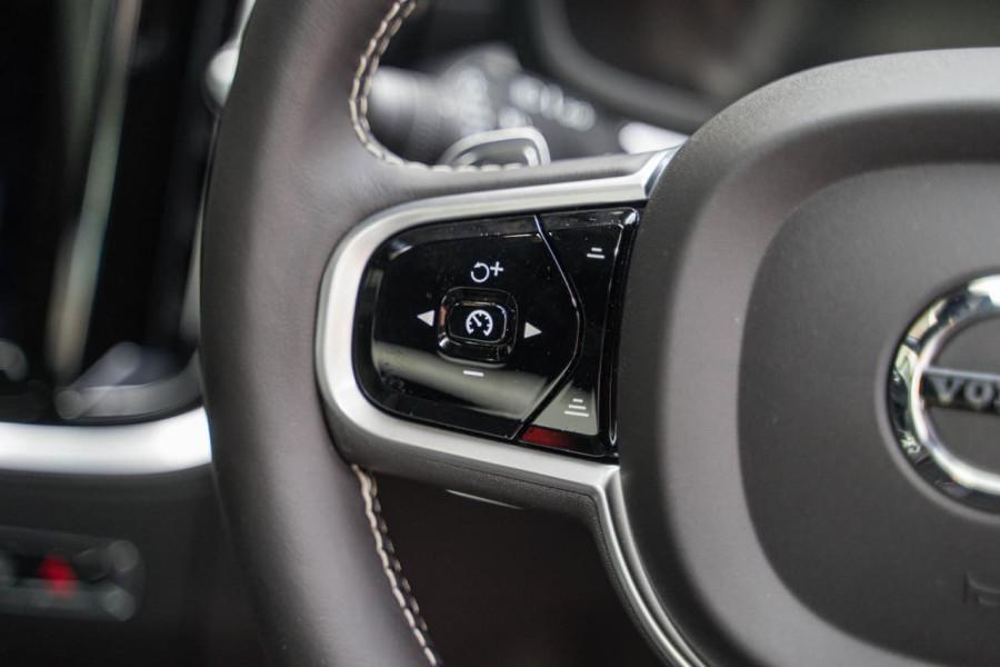 2020 Volvo S60 Z Series T8 R-Design Sedan Image 13
