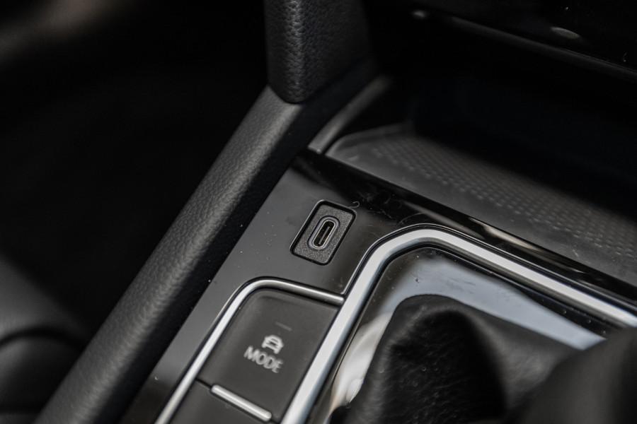 2020 Volkswagen Passat B8 140 TSI Business Wagon Image 17