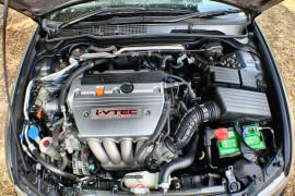 2003 Honda Accord Euro CL Luxury Sedan Image 3