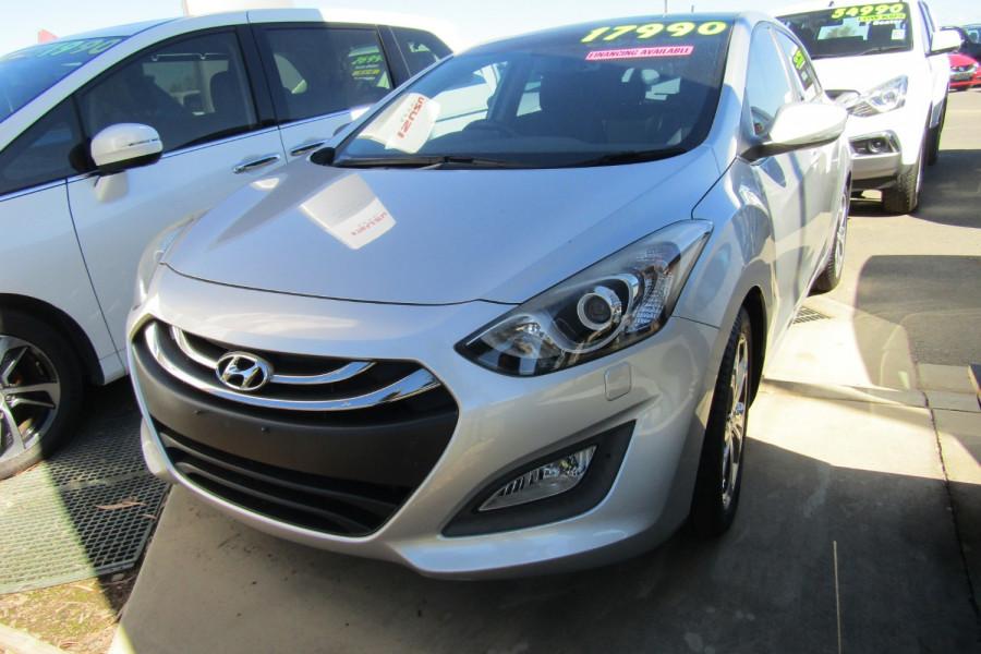 2013 MY14 Hyundai i30 GD2 Premium Hatchback Image 3