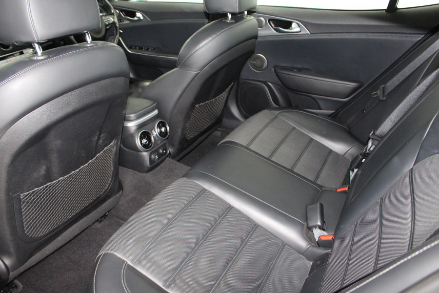 2017 MY18 Kia Stinger CK GT Sedan Image 10