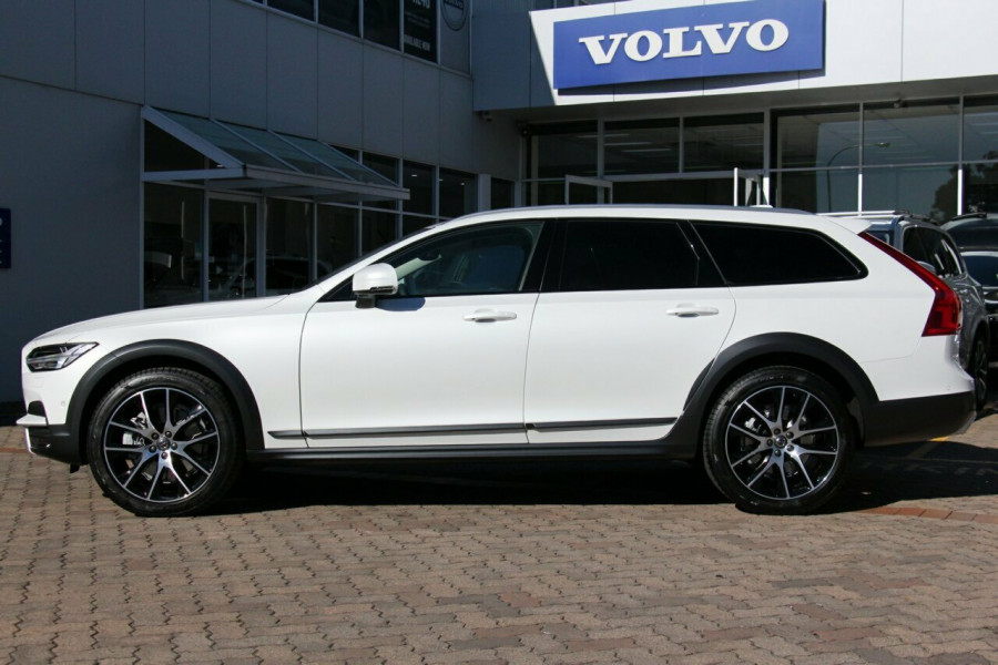 2019 Volvo V90 Cross Country D5 Wagon Mobile Image 16