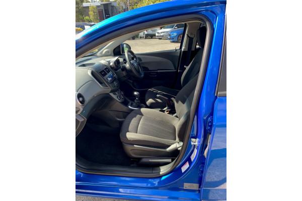 2015 Holden Barina TM  CD Sedan Image 5