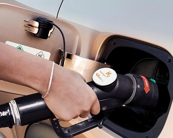 Hydrogen innovation, fast refueling, remarkable range Image