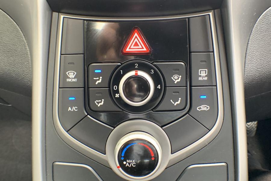 2015 Hyundai Elantra MD3 SE Sedan Image 12