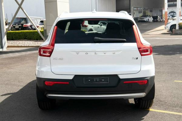 2020 MYon Volvo XC40 XZ T4 Inscription Suv
