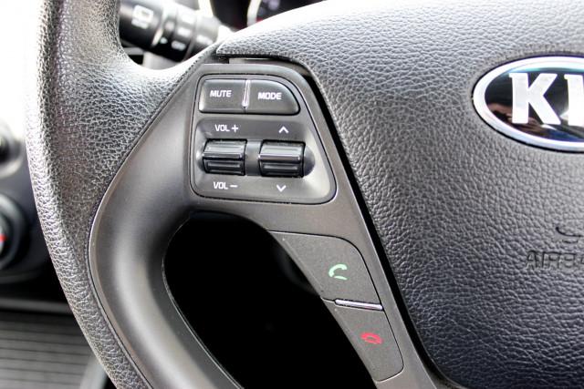 2017 Kia Cerato YD  S Hatchback Mobile Image 20