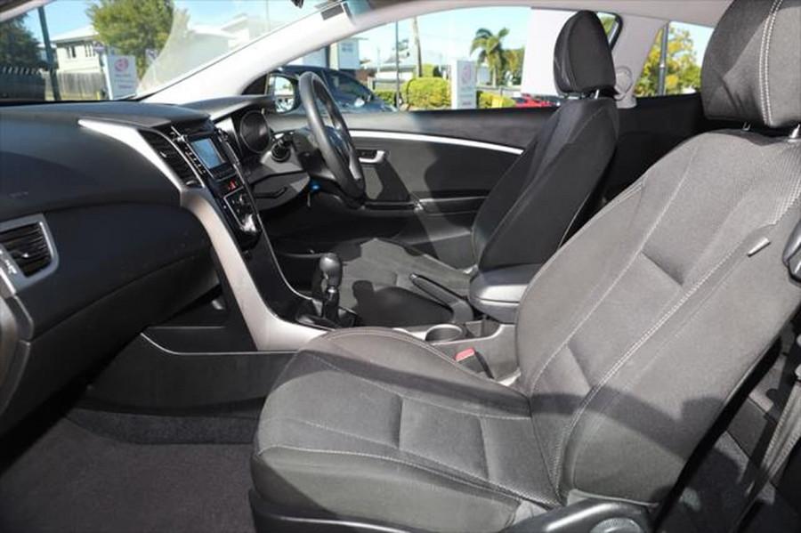 2013 Hyundai I30 GD SE Hatchback Image 9