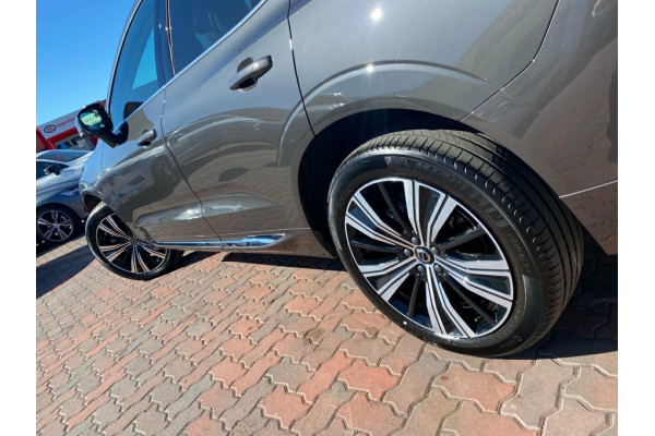 2021 MY22 Volvo XC60 UZ MY22 B5 AWD Inscription Suv Image 5