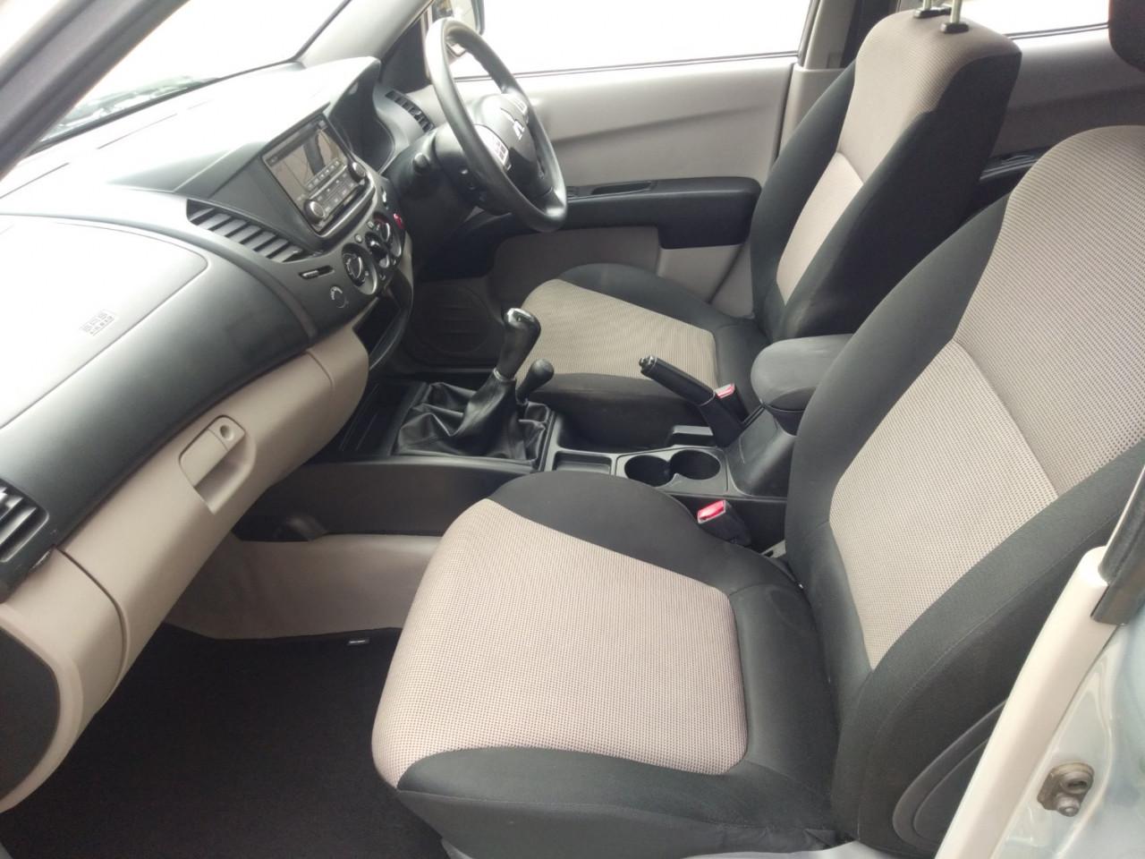 2015 Mitsubishi Triton MN MY15 GLX Utility Image 9