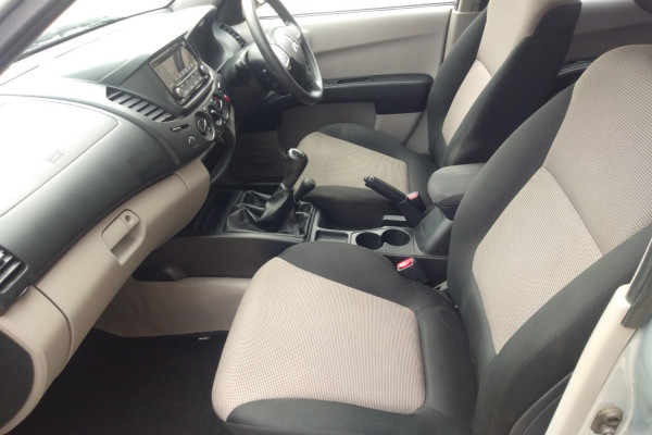 2015 Mitsubishi Triton MN MY15 GLX Utility Mobile Image 9