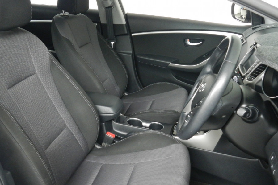 2013 MY14 Hyundai i30 GD2 Elite Hatchback Mobile Image 16