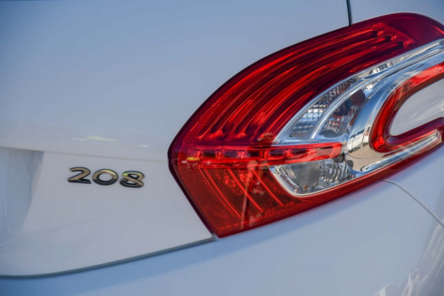 2012 Peugeot 208 A9 MY12 Active Hatchback Image 6
