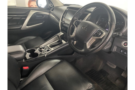 2019 Mitsubishi Pajero Sport QE Exceed Suv Image 4