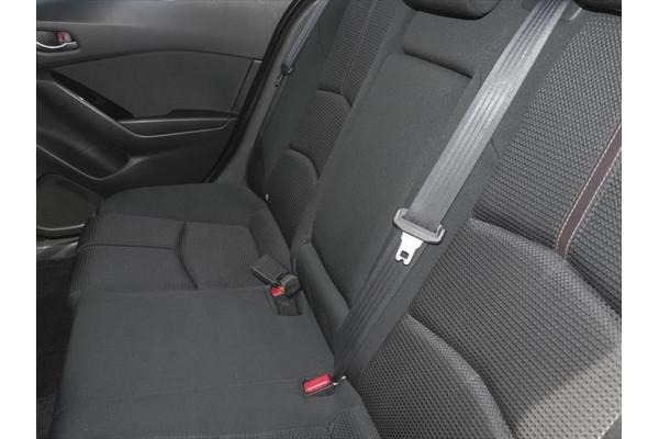 2017 Mazda 3 BN Series SP25 Hatchback Image 4
