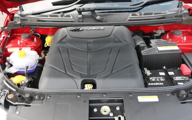 2018 Mahindra XUV500 -- W6 FWD Suv