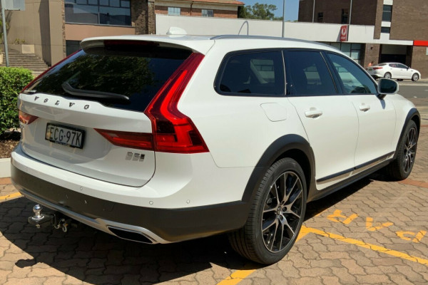 2019 Volvo V90 236 MY19 D5 Cross Country Inscription Wagon Image 4