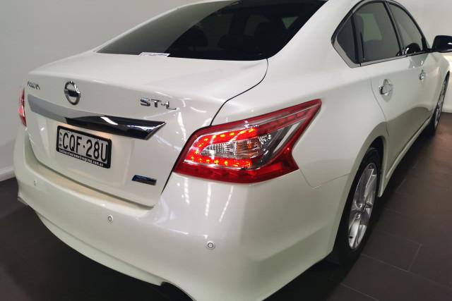 2013 Nissan Altima L33 ST-L Sedan Image 4