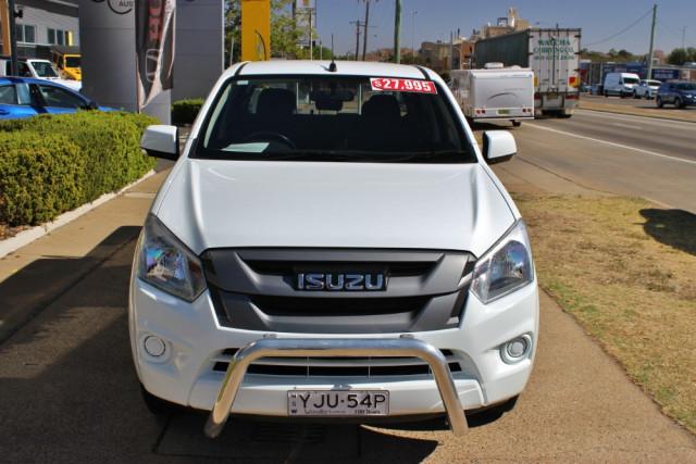 2017 Isuzu Ute D-MAX SX Utility - dual cab Image 3