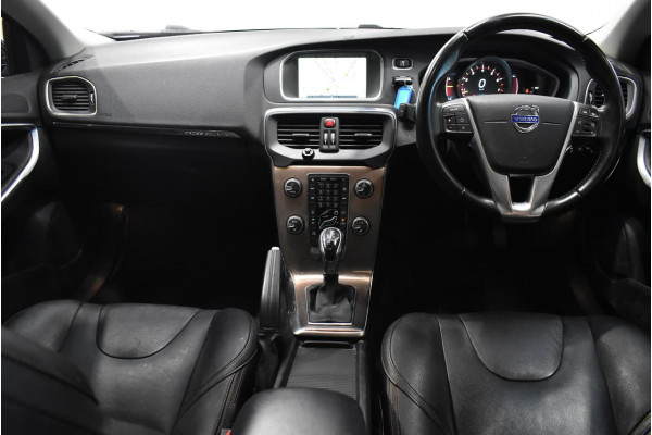 2014 Volvo V40 Cross Country (No Series) MY15 T5 Luxury Hatchback Image 5